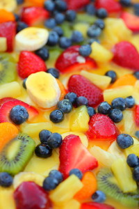 640px-Sweet_Summer_Rainbow_Fruit_Salad