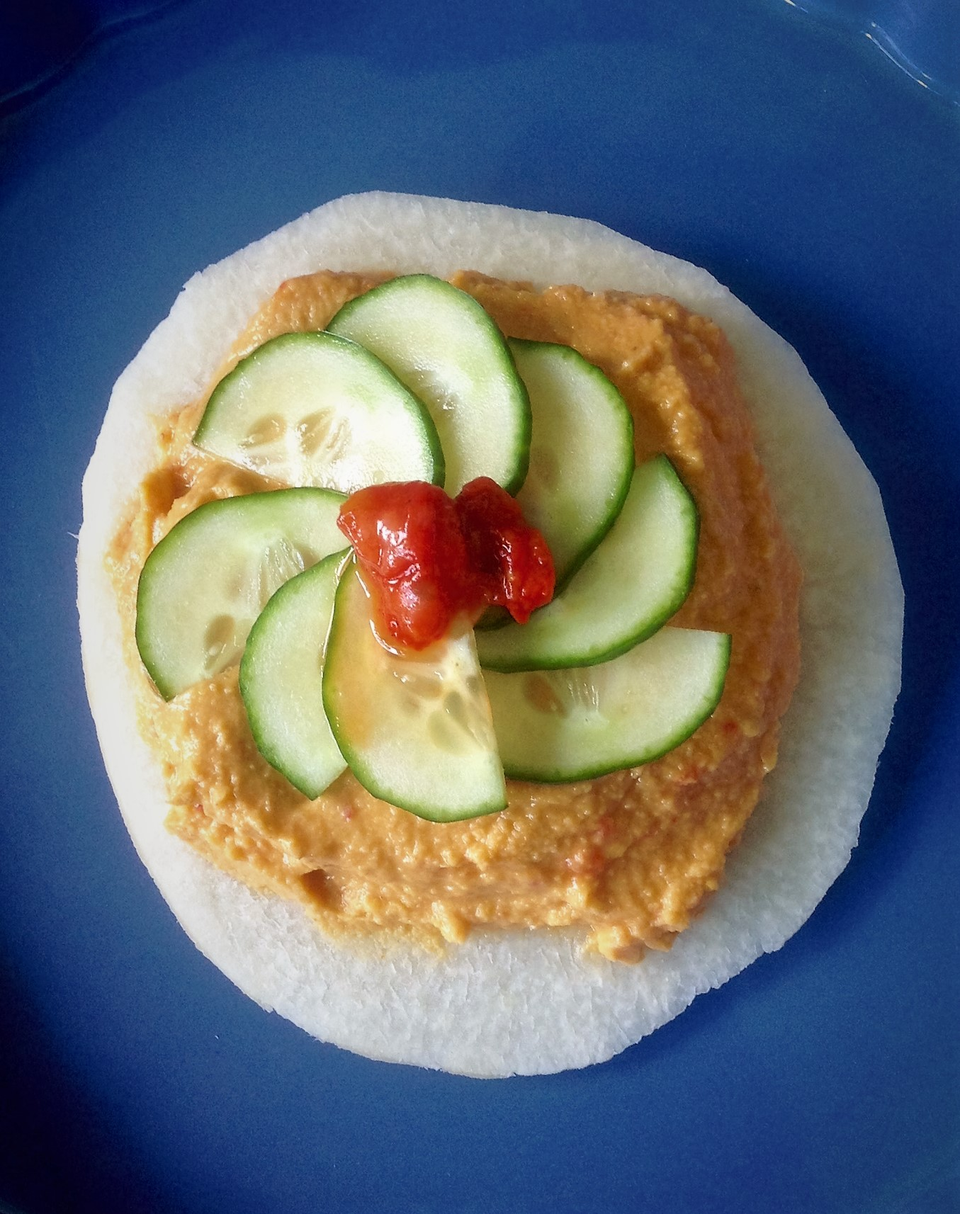 Jicama Chip with Roasted Red Pepper Hummus