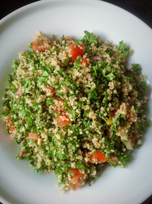 Moringa Quinoa Tabouleh: Healthy Plant-based Super Green Inspiration