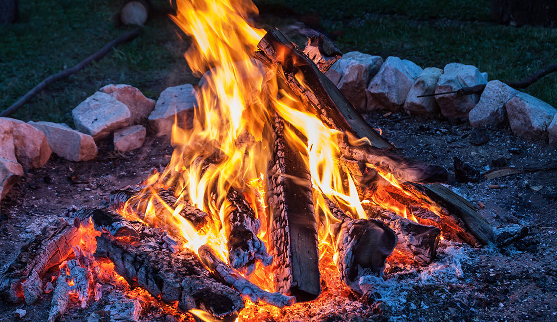 3 Ways to Make Your Summer Bonfire Sustainable