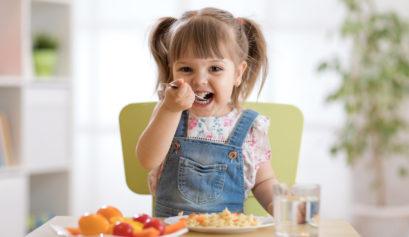 Child eating moringa marinara pasta